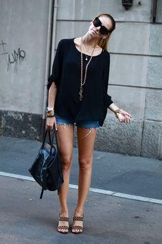 Shorts desfiado + blusão