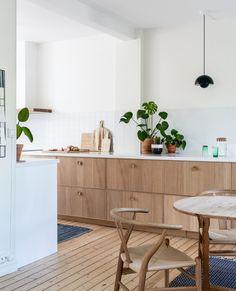 Home Interior Living Room Home Decor Kitchen, Kitchen Living, Kitchen Interior, New Kitchen, Home Interior Design, Home Kitchens, Interior Colors, Living Room, Ikea Ekestad