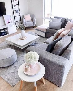 65 grey living room ideas for gorgeous and elegant spaces 21 Apartment Living Room Elegant GORGEOUS grey ideas living room spaces Small Living Room Design, Living Room Decor Cozy, Elegant Living Room, Living Room Grey, Small Living Rooms, Living Room Sofa, Home Living Room, Apartment Living, Living Room Designs