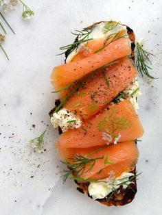 Smoked Salmon Crostini Recipe INGREDIENTS 4 -5 oz smoked salmon , thin sliced & wild caught 8 slices crusty bread, ½ inch thick 3 garlic cloves 8 oz mascarpone cheese 4 dill sprigs ¼ c chives snipped Freshly cracked Black pepper to taste 2 tsp extra virgin olive oil. Smoked Sea salt to taste, optional
