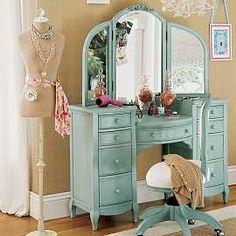 Lilac Smart Vanity I wish! Home Bedroom, Dream Bedroom, Bedrooms, Bedroom Ideas, Kids Bedroom, Painted Furniture, Home Furniture, Furniture Makeover, Turquoise Cottage