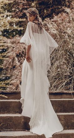 Lace Wedding Dress Plus Wedding Dresses Winter Wedding Guest Red Bridesmaid Dresses Fancy Wedding Dresses Plus Size Wedding Outfits, Fancy Wedding Dresses, Western Wedding Dresses, Fit And Flare Wedding Dress, Bridal Dresses, Wedding Dress Cape, Lace Wedding, Wedding Simple, Backless Wedding