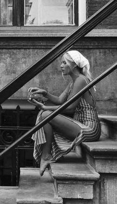 - Schwarz w. - Schwarz w. beauty beauty ❥Ᏸ єℓℓє ~ - # á . - Schwarz weiß - beauty ❥Ᏸ єℓℓє ~ - # á . Black And White Portraits, Black White Photos, Black And White Photography, Foto Glamour, Street Photography, Portrait Photography, People Photography, Artistic Photography, Vintage Photography