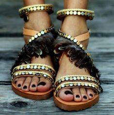 Instant Découverte #39 : Des sandales colorées avec Elina Linardaki - Les Éclaireuses