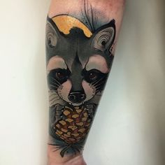 Raccoon today on Heather!! Thanks again!! #heryktattoo #tattoo #spaintattoo #thebestspaintattooartists #darkartists #skinartmag #where_they_tatt #revolutionneedles #neotatmachines #eternalinks #neotrad #neotradsub #neotraditional #neotraditionaltattoo #raccoon #raccoontattoo #aberdeen #aberdeentattoo #scotland #scotlandtattoo #sailormaxtattoo #innerink #INNERINKTATTOO