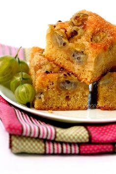Szybkie ciasto z agrestem i migdałami