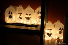 Cute Halloween craft - could probably do them for other holidays too - Santas?  Snowmen?