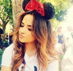 Hey I'm Becky!! I'm 17 years old! I love singing ,dancing , Disney!! I'm single and ready to mingle * smiles *