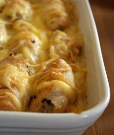 mamihami: Krémsajtos csirketekercs tejszínes kukoricaágyon Cream cheese and chicken roll on a bed of creamed corn Easy Chicken Recipes, Meat Recipes, Dinner Recipes, Healthy Recipes, Good Food, Yummy Food, Hungarian Recipes, Winter Food, Tasty Dishes