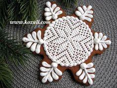 @kozuli_com Christmas cookies with VIDEO TUTORIAL at  www.kozuli.com Snowflake cookie /  Lace cookies / Piping Lace Cookie . / Cross stitch cookies / Embroidery cookies. Gingerbread cookies.  Winter cookies. New Year's Cookies. Holiday cookies. / Royal icing cookies. Decorated cookies / Новогоднее печенье, новогодние пряники, рождественское печенье / Пряник Снежинка Кружевная / пряники с кружевом, печенье с кружевом  / Видео мастер-классы по росписи пряников на www.kozuli.com