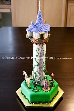 how sweet is this tangled birthday cake?