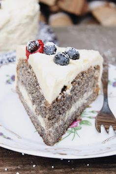 Mohntorte mit Buttercreme, Mohn Torte, Rezepte mit Mohn, saftigster Mohnkuchen, Mohn Kuchen, bestes Kuchenrezept für Mohntorte mit Buttercreme