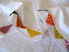 Flour sack dish towels with prairie points; Flour sack dish towels with prairie points; Sewing Hacks, Sewing Tutorials, Sewing Patterns, Fabric Crafts, Sewing Crafts, Sewing Projects, Dish Towels, Tea Towels, Hand Towels