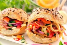 Vegetarian sandwich with fried onions and peppers Types Of Vegans, Buffet, Panini Sandwiches, Fried Onions, Tortillas, Salmon Burgers, Picnic, Vegan Recipes, Veggies