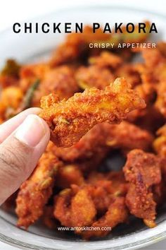Chicken pakora (pakoda) is a crispy and crunchy appetizer, also it is a quick evening snack. It is an easy and simple Indian fried chicken recipe to make in 20 minutes simple chicken recipes Pakora Recipes, Veg Recipes, Indian Food Recipes, Asian Recipes, Simple Cooking Recipes, Cooking Beef, Indian Chicken Recipes, Picnic Recipes, Picnic Ideas