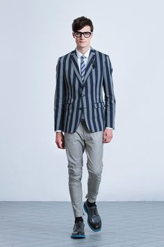 Viktor & Rolf Spring 2014 Menswear Collection Slideshow on Style.com