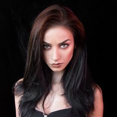 Discover amazing things and connect with passionate people. Dark Beauty, Gothic Beauty, Felice Fawn, Skinny Love, Beauty Book, Poses, Hairspray, Gothic Girls, Girl Model