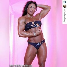 """jl9233: """" girlbeef: """" #girlbeef #Repost @ashahadley ・・・ Pretty in Pink  Photographer: Mike Yurkovic """" #RespectTheMuscle #awesome body #girlswithmuscle #lovethemuscles #sexy muscles #BodyOfArt """""""