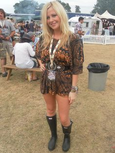 Festival fashion - all about the hunters!