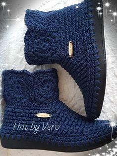 Crochet Sandals, Crochet Boots, Crochet Slippers, Crochet Baby, Crochet Slipper Pattern, Crochet Flower Patterns, Hello Kitty Crochet, Knit Bracelet, Knit Shoes