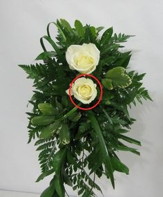 Learn how to make a wedding bouquet, corsages, boutonnieres, centerpieces and church florals.  Easy directions.  Buy professional florist supplies.