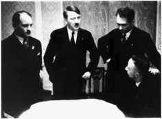 From l. to r.; Sepp Dietrich, Adolf Hitler, Rudolf Hess and Heinrich Himmler before Hitler came to power