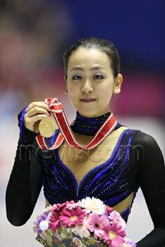Mao Asada (JPN), NOVEMBER 9, 2013 - Figure Skating : Mao Asada of Japan poses with her gold medal after the Women's Free Skating during the ...
