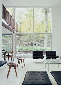 bassam-fellows-house-living-room-picture-window