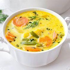 Zupa fasolkowa - z zielonej fasolki szparagowej. Prosta i pyszna zupa fasolkowa, do zrobienia ze świeżej lub mrożonej fasolki szparagowej. Food Porn, Food L, Good Food, Best Soup Recipes, Vegan Recipes, Cooking Recipes, Vegan Gains, Food Experiments, Couscous Recipes