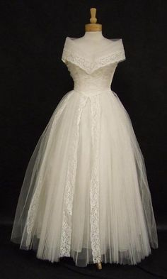 1950's lace & tulle wedding dress