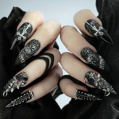 Long nails, because they have more surface space, can have more creative ideas. We prepared 23 Amazing Stiletto Nails Ideas. Halloween Acrylic Nails, Cute Acrylic Nails, Acrylic Nail Designs, Nail Art Designs, Nails Design, Dope Nails, Swag Nails, Gorgeous Nails, Pretty Nails