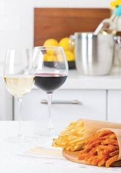 What could be more simple than uncorking a bottle of delicious wine? Don't forget to pair it with your favorite Alexia Fries. #AlexiaHolidays