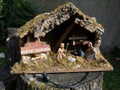 Ancienne crèche de Noël lumineuse en bois par BoutsdArtsVintage
