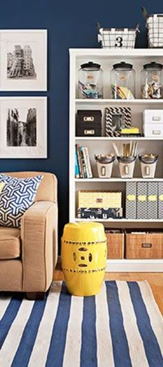 Beautiful blue living room decor ideas.  What I love most is that it's organized, neat, clean and clutter-free!