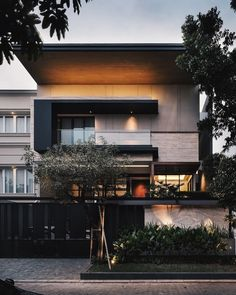 Luxury home design ideas. Contemporary house designs have a great deal to offer to a modern occupant. Lastly, the modern house style does not restrict innovative minds whatsoever. House Front Design, Modern House Design, Villa, Dream House Exterior, House Elevation, Bohemian Style Bedrooms, Facade House, House Goals, Minimalist Home