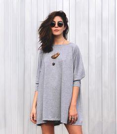 Você sabe que ela está à vontade com este look: | 14 imagens que vão te fazer sentir coisas se você ama roupas cinza