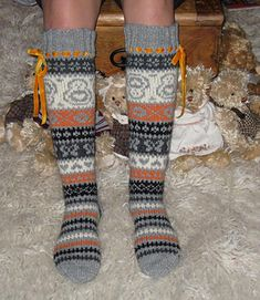 Warm Socks, Knitting Socks, Leg Warmers, Slippers, Stitches, Fabric, Pattern, Clothes, Color