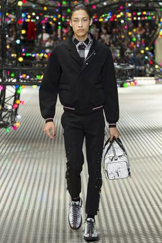 Dior Homme Spring 2017 Menswear Collection Photos - Vogue