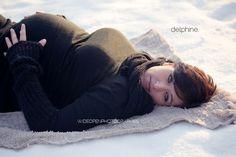 delphine. séance grossesse dans la neige Lille