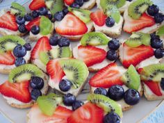 cooking ala mel: Mexican Wedding Fruit Pizza (& A Bridal Shower)