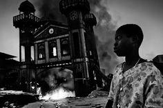 En 2011, el italiano Riccardo Venturi obtuvo el primer premio individual en la categoría General News con esta fotografía titulada Haiti Aftermath.