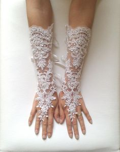 ~The gloves for Mandy's wedding!~ Grandeur extra long Wedding gloves adorned pearls Ivory bride glove luxury  bridal gloves lace gloves fingerless gloves ivory   free ship, $50.00