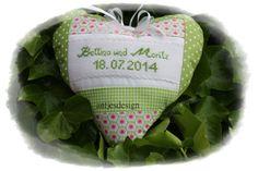 Geldgeschenk zur Hochzeit mit Namen Herz von Antjes Design auf DaWanda.com