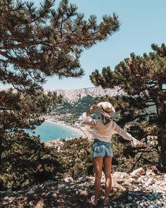 """Iris 🌸 Travel & Lifestyle on Instagram: """"Baška - diesen Stopp auf unserem Roadtrip hab ich mir hauptsächlich (oder eigentlich nur deswegen 😅) wegen dem schönen Strand…"""" Roadtrip, Strand, Iris, Grand Canyon, Instagram, Nature, Travel, Naturaleza, Viajes"""
