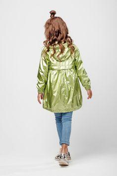 Плащ для девочки С-638 купить по цене 6000.00 в интернет магазине детской одежды GnK-SHOP Raincoat Jacket, Rain Jacket, Fashion 2017, Kids Fashion, Kids Outfits, Cool Outfits, Baby Kids, Baby Boy, Couture