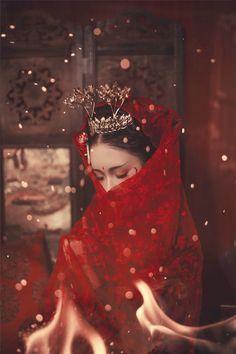 - Nữ nhân cổ trang cosplay by Kiều Mạt Yên Lộ. Chinese Traditional Costume, Traditional Dresses, Hanfu, Geisha, Chinese Picture, China Mode, Asian Photography, China Girl, Chinese Clothing