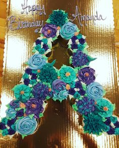 Floral Cupcakes, Floral Cake, Fun Cupcakes, Birthday Cupcakes, Cupcake Cakes, Mermaid Cupcake Cake, Cupcake Ideas, Pull Apart Cupcake Cake, Pull Apart Cake