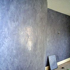 So nervous to try this but i think the technique is a perfect addition to our new dining room! A wall finished with Venetian plaster.