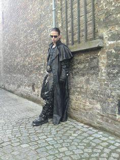 Beeindruckender Gothic Kutscher Echtledermantel -Ledermantel Größe -S/M- (MA05) in Kleidung & Accessoires, Herrenmode, Jacken & Mäntel | eBay