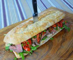 Das ultimative Jamie Oliver Steak Sandwich ist in 15 Minuten fertig. Wenige Zutaten, einfache Zubereitung, tolles Ergebnis. Hier ist meine Variante!